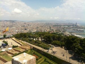 1280px-Panoramic_views_of_Barcelona_from_the_Castell_de_Montjuïc_(4)